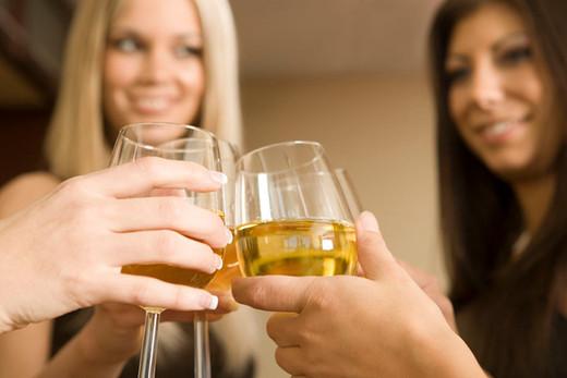 Какие напитки мешают нам худеть?