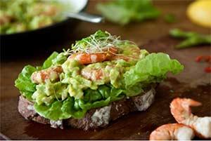 диетическое гуакомоле с авокадо и креветками